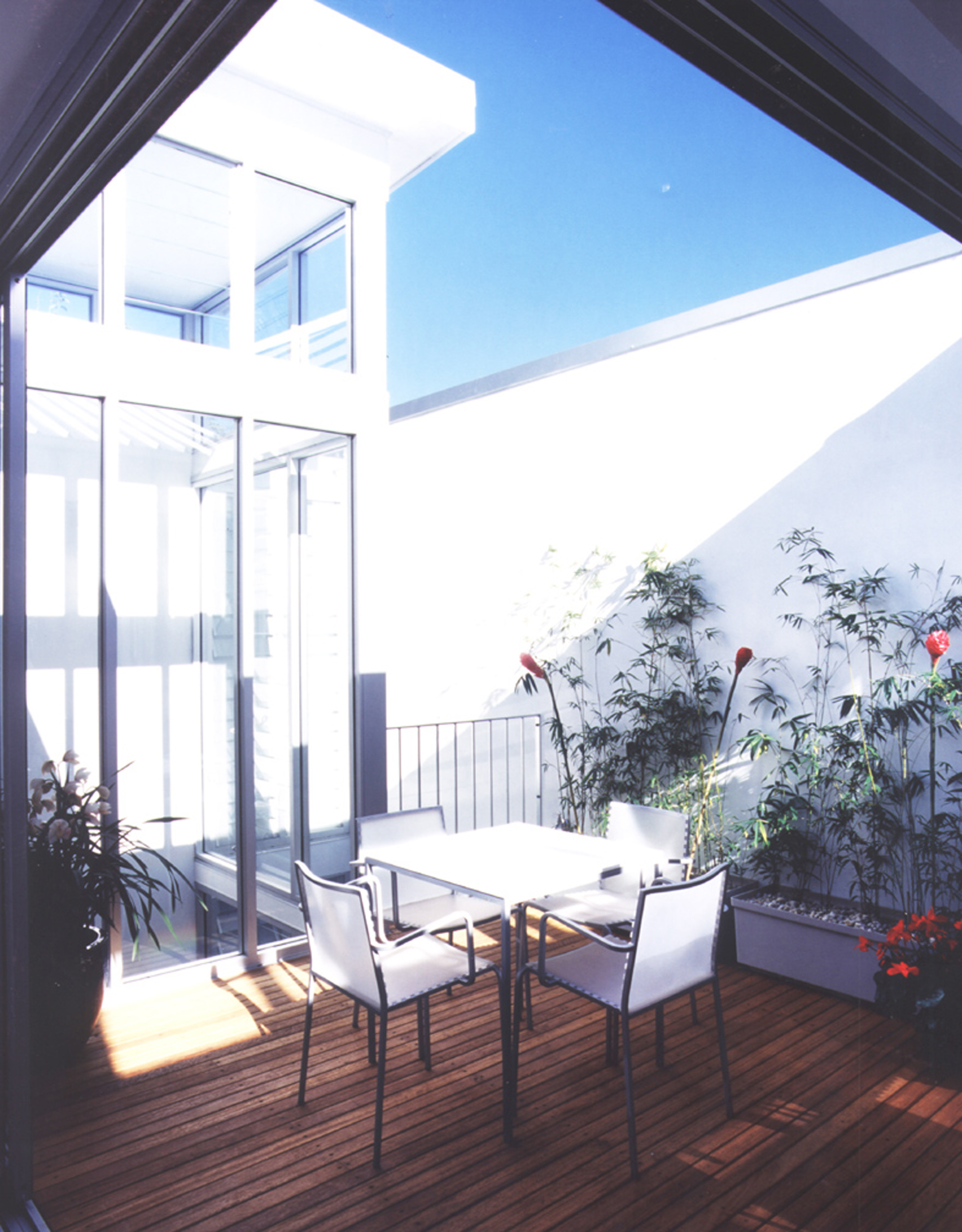 Hill Thalis - Rose Bay Apartments - Rear Balcony - Gallery image